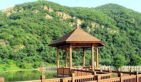 仙公山,又名双髻山或丰山,是泉州的十佳风景区之一.